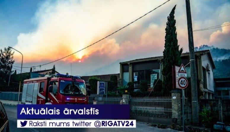 Toskānā plaša meža ugunsgrēka dēļ evakuē simtiem cilvēku