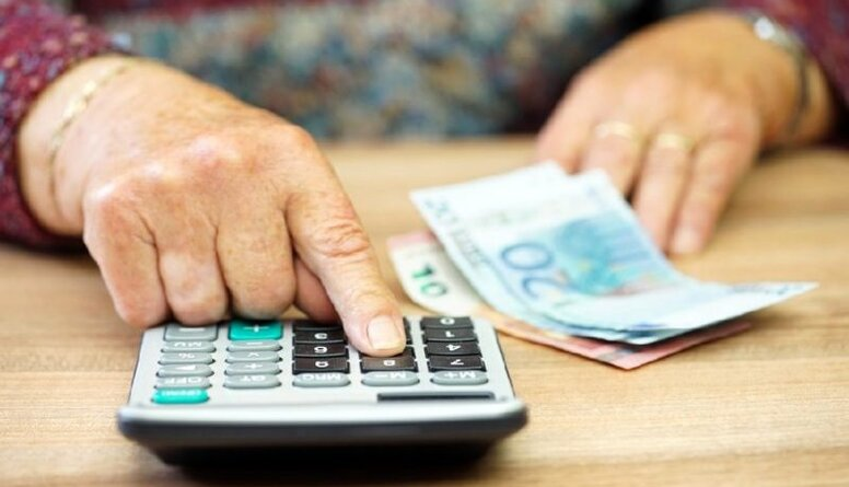 Tuvojas pensiju indeksācija. Kam palielināsies pensijas?