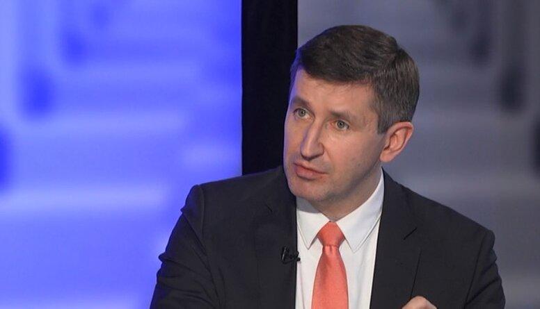 Koalīcija plāno likvidēt mikrouzņēmuma nodokli, apgalvo Dombrovskis