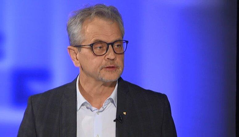 Darbs politikā iegūst arvien vairāk šova elementus, pauž Latkovskis