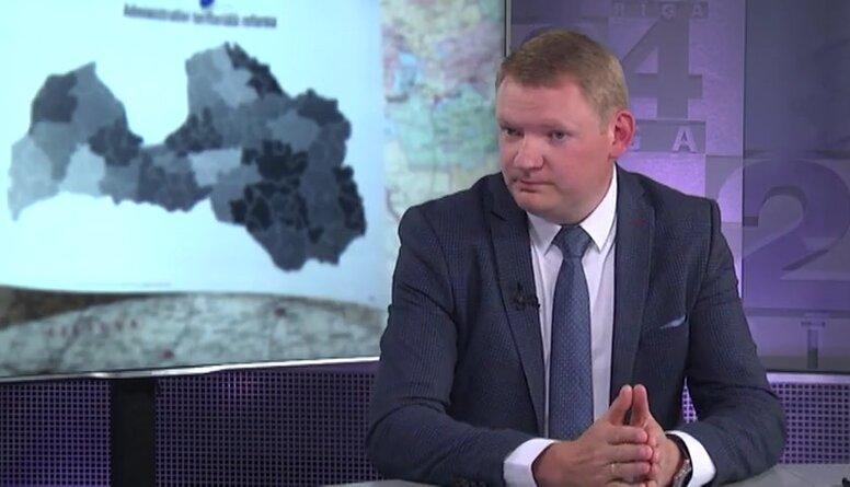 Edvards Smiltēns par Salacgrīvas lēmumu vērsties Satversmes tiesā par novadu reformu