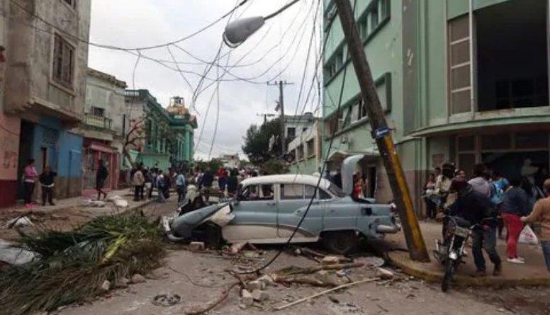 Kubas galvaspilsētu pārsteigusi postoša viesuļvētra