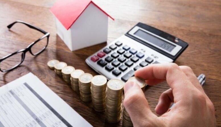 Viedokļi: Vai salīdzināt valsts un ģimenes finanšu modeļus ir bīstami?