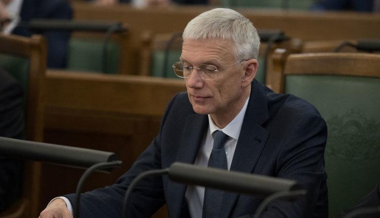Opozīcija rosina premjera Kariņa demisiju