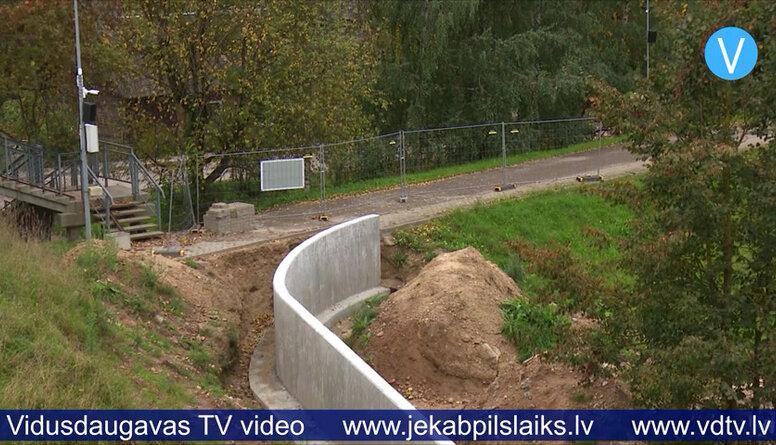 Daugavas aizsargdambju savienojumu Jēkabpilī sola pabeigt pēc nepilna mēneša