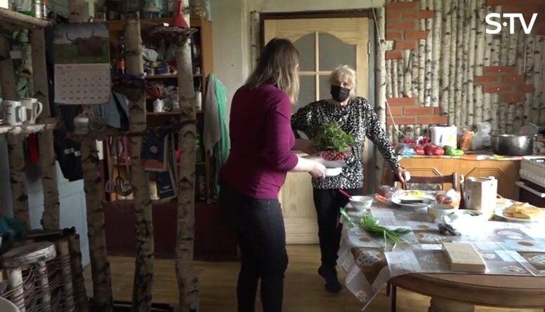 Magone Žanim dzimšanas dienā gatavo nātru zupu