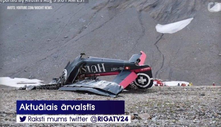 Šveices Alpos avarējusi antīka lidmašīna - 20 bojāgājušie