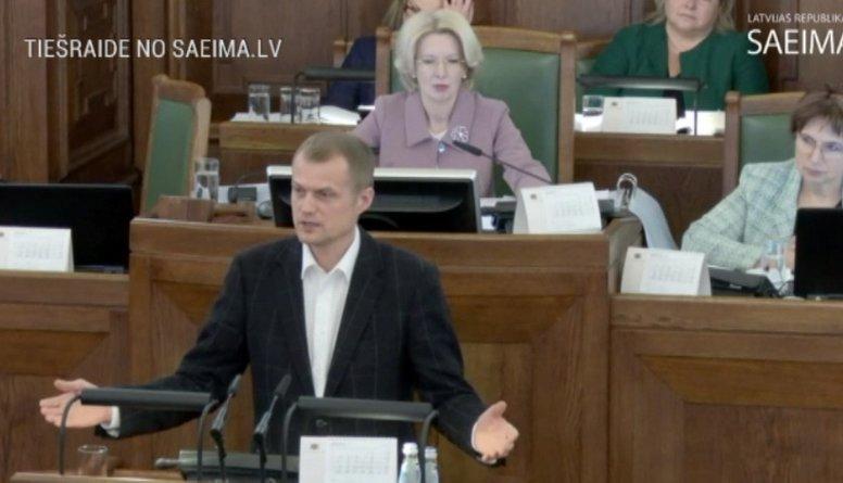 Speciālizlaidums: Saeimā debatē par ieroču aprites likumu