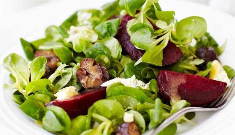 Viens no brīnumēdieniem - zaļie salāti!