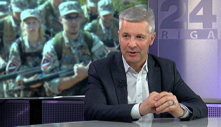 Pabriks: Ja armija nav ielās, tas nozīmē, ka valdība kontrolē situāciju