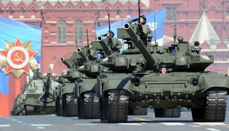 Kremlis devis startu plašākajām militārajām mācībām kopš Aukstā kara