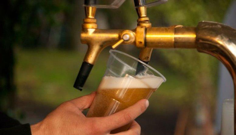 Antropologs: Alkohola patēriņš svētkos jau kļuvis par mērķi, nevis līdzekli