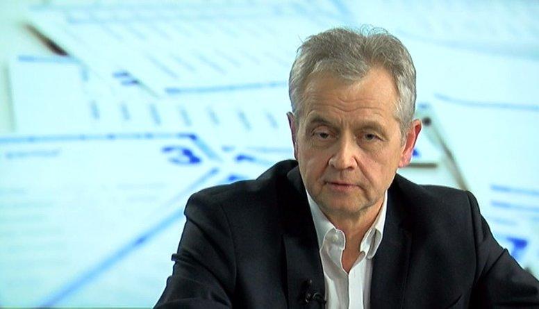 """Latkovskis: """"Politiķim jākļūst 'dzeltenam', lai būtu populārs."""""""