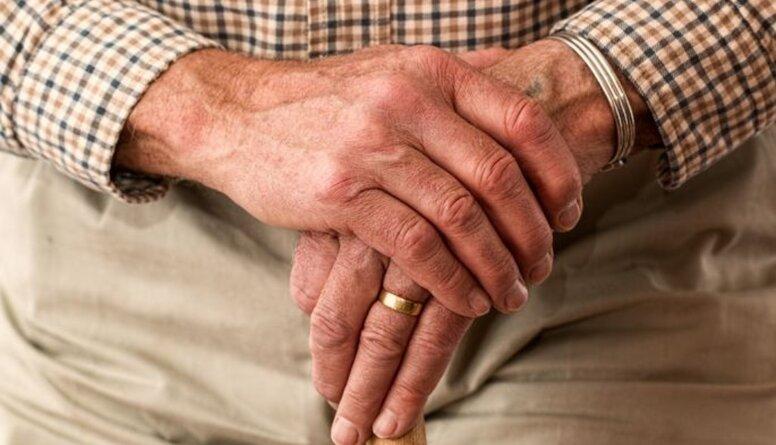 Agri vai vēlu pensionēšanās vecums palielināsies līdz 67 gadiem, prognozē Sprūds