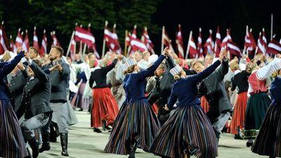 Kāds dejotājs vispārējo latviešu Dziesmu un Deju svētku laikā ir pieveicis 127 kilometrus