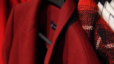 Stila padomi: Sezonas aktuālā sarkanā krāsa