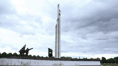 Būmeisters: Uzvaras piemineklis nenes to funkciju, ko kara piemineklim vajadzētu nest