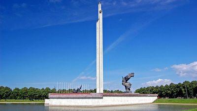 Uzvaras piemineklim nav vietas Latvijā, uzskata Iesalnieks