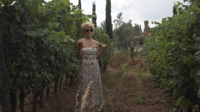 """Vīna eksperte Pinta: """"Cienu savu darbu, tāpēc vienmēr esmu sapucējusies!"""""""