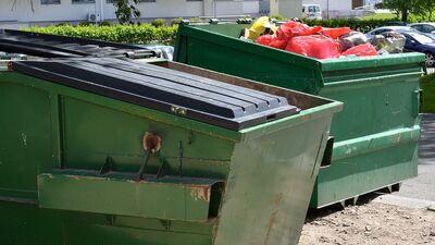 """""""Šobrīd ir tik liela juridiskā putra,"""" Meļņiks par atkritumu krīzi Rīgā"""