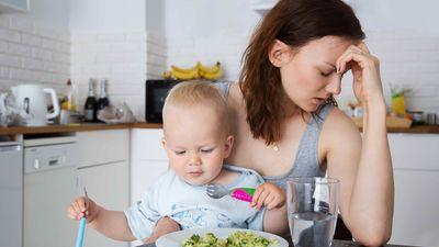 Jaunajām māmiņām nav jāēd par diviem