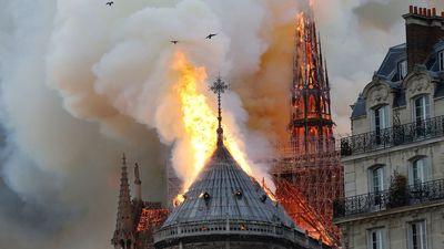 Speciālizlaidums: Ugunsgrēks izposta Parīzes Dievmātes katedrāli 1. daļa