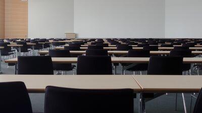 Saeimas komisija atbalsta augstskolu profesoru ievēlēšanu atklāti