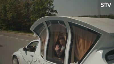 Ērkšķu dāmām jauns auto - kariete
