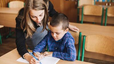 Mudina celt skolotāju profesijas prestižu