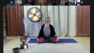 Notiek bezmaksas jogas un kalanētikas tiešsaistes nodarbības