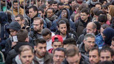 """Vārds """"migranti"""" baida un rada ažiotāžu, norāda Reirs"""