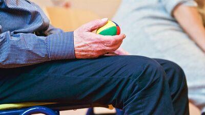Vai būs iespēja seniorus vakcinēt mājās?