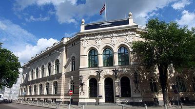 Vai Latvijas Bankas prezidenta amats tiek dalīts tāpat kā valdība?