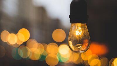 Kāpēc pieaug elektroenerģijas un gāzes cenas?