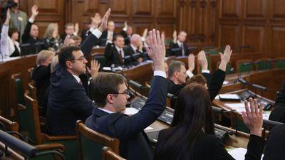 Jaunajiem politiķiem jāmācās uzņemties atbildību, uzskata advokāts