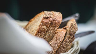 Negaršo veselīgā rudzu maize, kā uzturā to aizvietot?