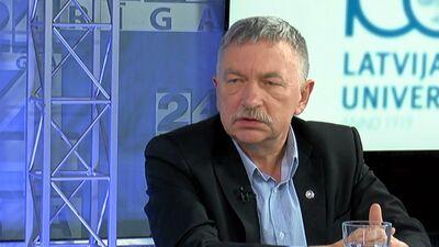 """""""Nekā personīga"""" - Muižnieks par attiecībām ar izglītības ministri Šuplinsku"""