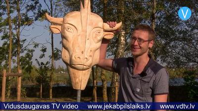 Prezentē koka skulptūras
