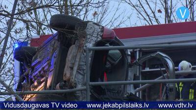 Avārija uz tilta notikusi braukšanas mācību laikā