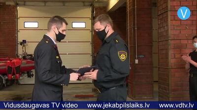 Jēkabpils ugunsdzēsēji saņem apbalvojumus