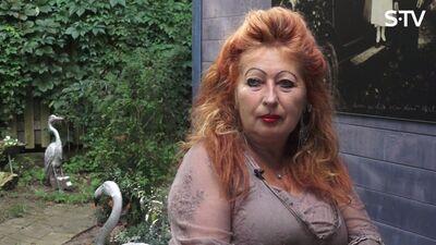 Cik Ilonai Brūverei ir gadu?