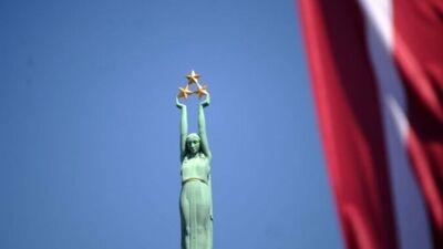 Iedzīvotājus aicina izteikt savas domas par Brīvības pieminekļa izgaismošanas koncepciju
