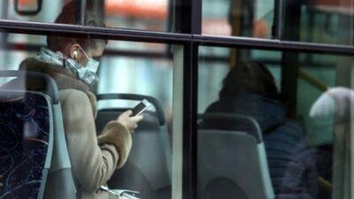 Vai prasība valkāt mutes un deguna aizsegu sabiedriskajā transportā ir pārdomāta?