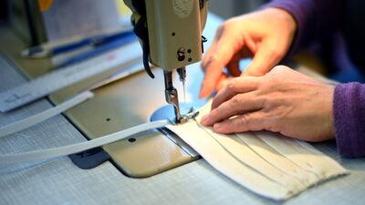 Vai Latvijas tekstiluzņēmumi varētu ražot sejas maskas?