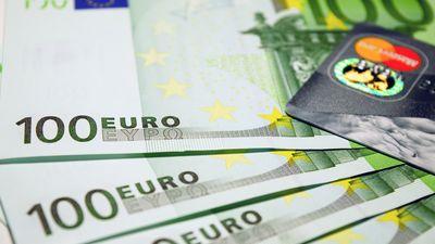 Patēriņa kredītu jūgs ir smaga sērga Latvijā, uzskata Kulbergs