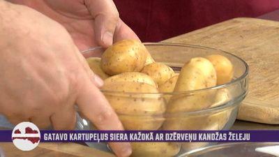 Šefpavāra ieteikums, kā ar rupjo sāli ātri un efektīvi notīrīt jaunos kartupeļus!