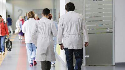 Для работы в Латвии врачей планируют приглашать из-за рубежа