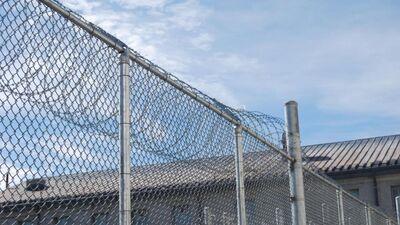 Slēdzam skolas, bet būvēsim cietumu? Jānis Vilnītis par ieceri būvēt cietumu Liepājā