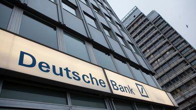 Aptauja: Puse vāciešu neuzticas bankām