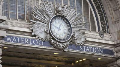 Londonā atrasti spridzekļi lidostās un dzelzceļa stacijā